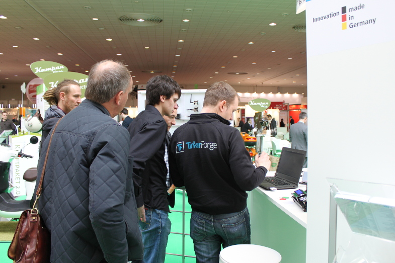 http://download.tinkerforge.com/_stuff/cebit_2016/cebit_2016_day1_4_small.jpg