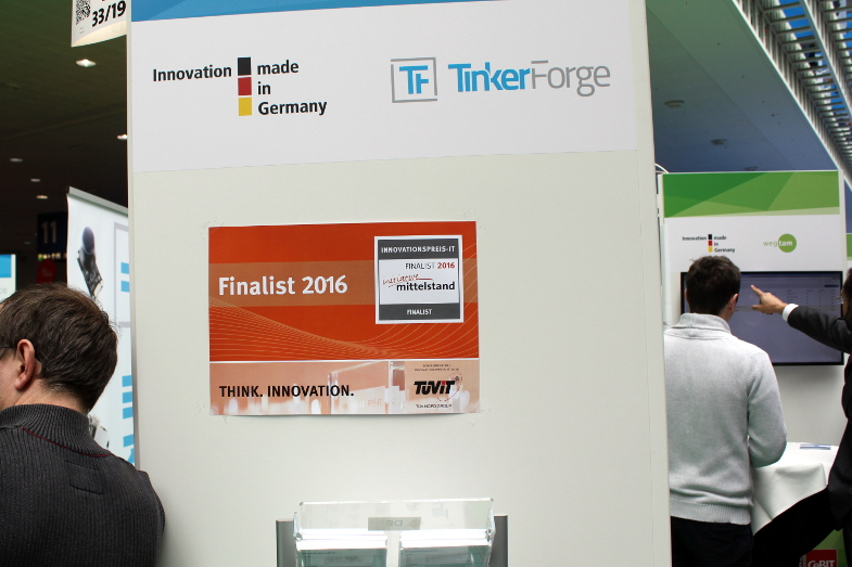 http://download.tinkerforge.com/_stuff/cebit_2016/cebit_2016_day2_1_small.jpg